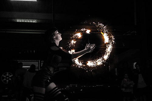 Fan Circle Fire Entertainment at The Market Shed on Holland Fire Performance, Fire Dancing at Twilight market Suzanne Elliot Photography